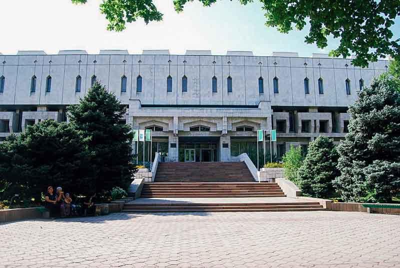 Мемориальный одиночный комплекс из двух видов гранитов Тикси Эконом памятник Волна Лакинск